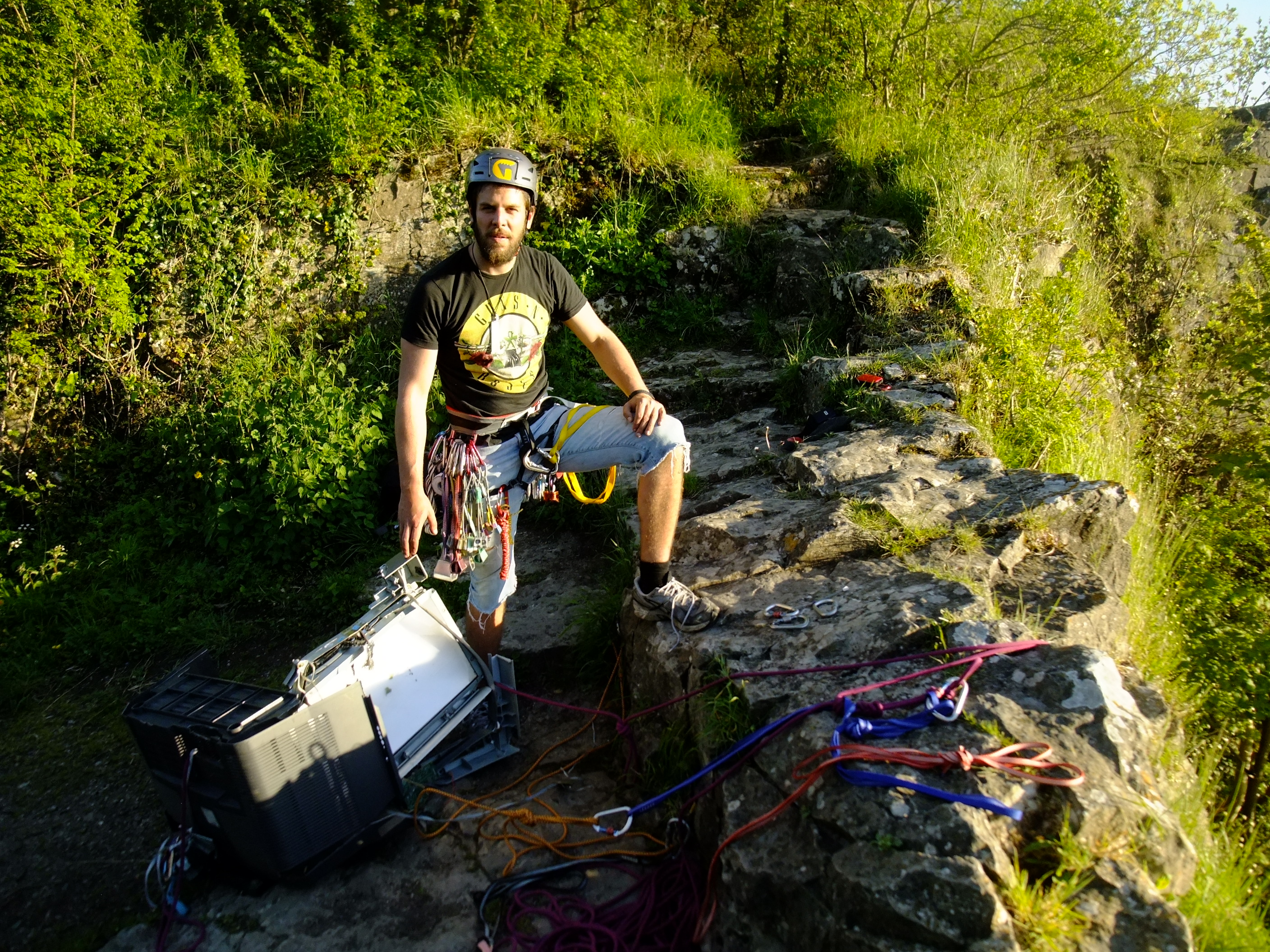 Removing rubbish from Wintour's Leap crag, Wye Valley