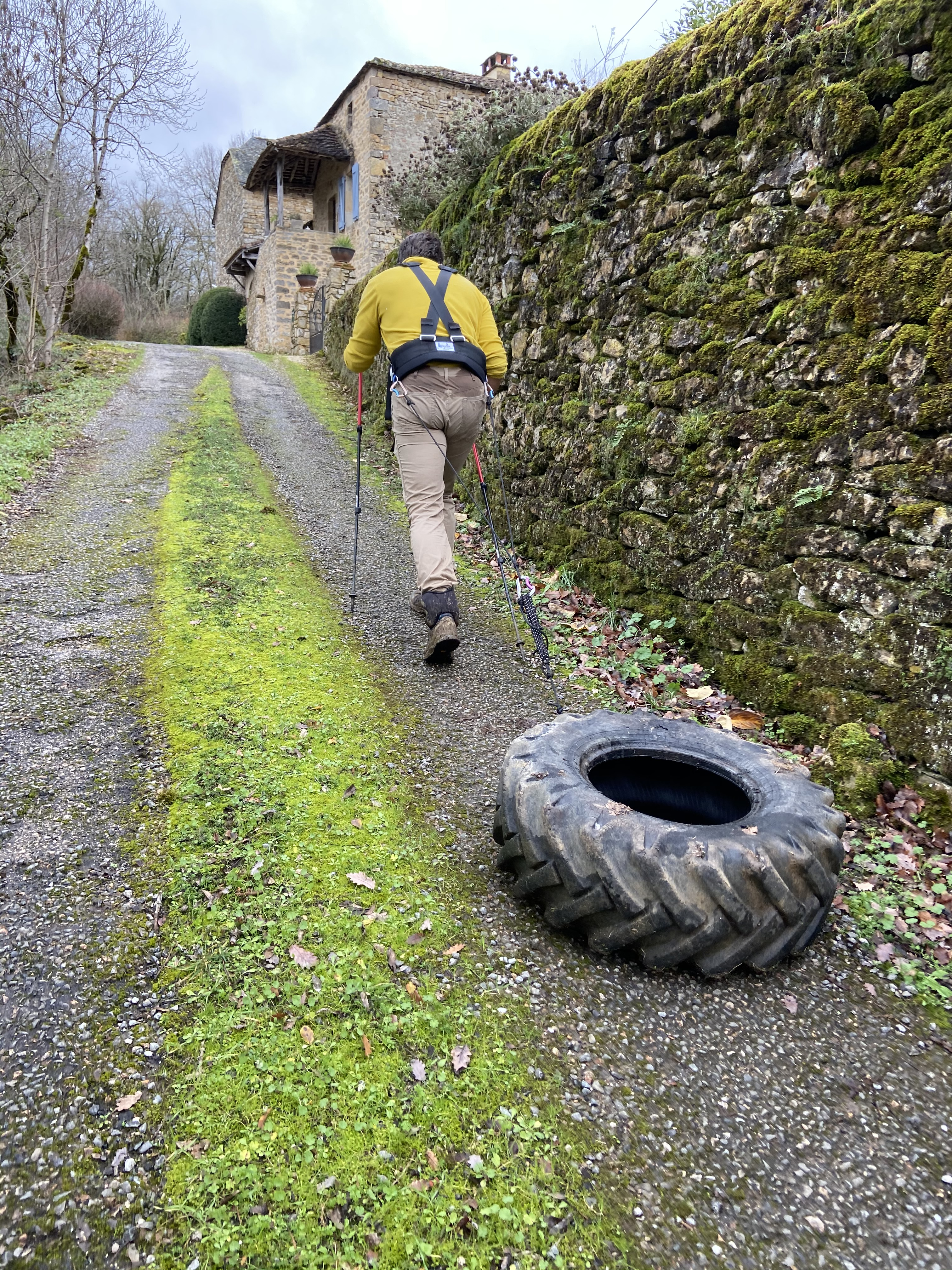 Tyre pulling in France